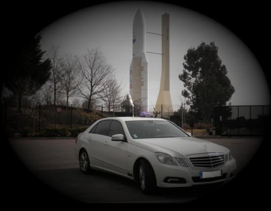Mercedes classe E blanche.jpg
